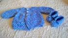 pour vos petits  je vous ai fait ces petits gilets en laine aux aiguilles