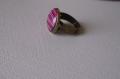 Bague  reglable  en metal couleur bronze image sous dome en verre bombe 16 mm collection  pink and black