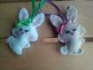 Attache porte-clés petite lapine blanche