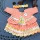 Petite robe en laine acrylique pour naissance