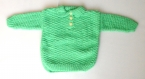 Petit pull polo vert à motifs bébé tricoté main taille 12 mois