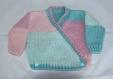 Brassière croisée bébé tricoté main taille 6 mois