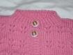 Gilet bébé à motifs rose tricoté main taille 12/18 mois