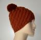 Bonnet femme en laine cuivre motif diagonale avec pompon