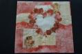 Très jolie serviette en papier cŒur en roses rouges et petits anges
