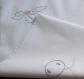 Petite nappe à thé ou sur nappe brodée main en coton blanc