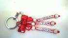 Porte clés prénom • rouge avec coeurs • 3 prénoms