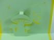 Carte champignon et papillon jaune soleil et vert pâle