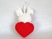Peluche lapin, kawaii, dans un coeur rouge, en feutrine, fait main, cadeau fête des mères