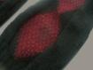 Mitaines larges de couleur noire avec losanges bordeaux
