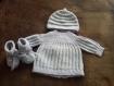 Brassière - bonnet - chaussons - bébé