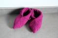 Chaussons en laine fushia au crochet taille 37-38