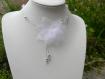 Collier mariage fleur en organza blanc et gris