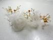 Bijou de tête fleurs ivoire et doré perles