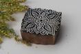 Tampon batik indien carré en bois sculpté à la main, pochoir - btm30