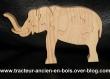 Puzzle elephant en bois d'erable trompe a l'avant