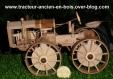 Tracteur ancien en bois
