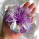 Grande barette fleur en tissu & plumes et perles 107