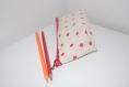 Petite trousse d'écolier en tissu enduit beige à pois rouge