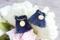 Créoles à pompom bleu marine