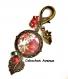 B3.341 bijou femme pivoines rouge sakura bijou de sac bijou fantaisie bronze cabochon verre feuilles vertes fleurs d'asie asiatique chine chinoise japon japonaise