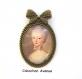 B3.371 bijou femme portrait marie antoinette broche épingle pendentif noeud bijou fantaisie bronze cabochon verre fleur rose noeud robe bleue marie-antoinette rétro baroque romantique (série 2)