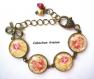 B3.447 bijou femme bouquet de roses romantique bracelet bijou fantaisie bronze 4 cabochons verre fleurs roses shabby chic rétro vintage