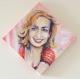 Portrait d'une actrice : sandrine bonnaire, sur toile peinte (forme losange)