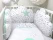 Tour de lit bébé, 60cm large, 3 coussins nuages, ton vert d'eau clair et blanc à étoiles grises