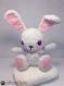 Pinky lapin doudou amigurumi crochet grise et rose