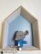 Stuart la souris doudou amigurumi crochet marron et bleu