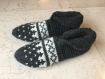 Chaussons femme pure laine tricotés,  jacquard. style nordique. chaussons gris anthracite, chalet, montagne, voyage, camping,yoga