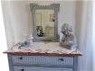 Miroir ancien, en bois sculpté, patiné gris-bleu et blanc lin : amanda
