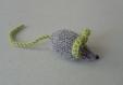 Mimi petite souris en laine grise & verte tricotée main