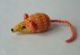 Mimi petite souris en laine jaune rayée orange tricotée main