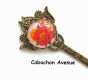 B4.163 bijou papillon pivoine rose blanche marque page ouvre-lettres coupe papier fleurs bijou fantaisie bronze cabochon verre femme d'asie asiatique chine chinoise japon japonaise