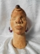 Sculpture mosaïque femme africaine, marron et violet.