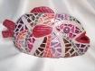 Poisson sculpture en mosaïque rose