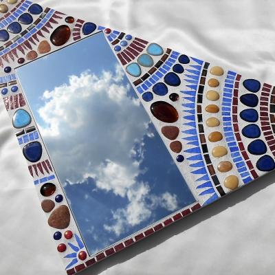 Miroir original triangle en mosaïque bleu et blanc