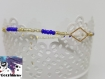 Ezra - bracelet perle de rocaille dorées et bleues et losange doré