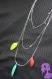 Tropical - collier multirang chaîne métal argenté perle de rocaille et plumes multicolore