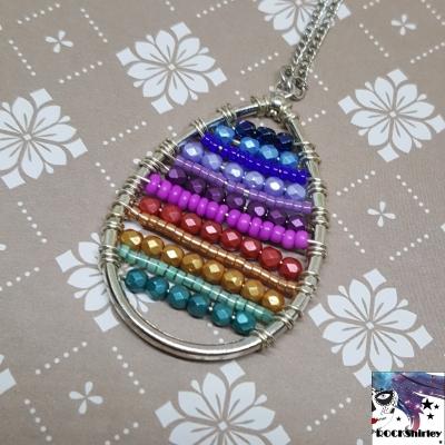 Rainbow - collier sautoir pendentif goutte et perles multicolores arc en ciel