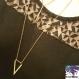 Ooda - collier triple rang doré, raz de cou, et sautoir, pendentif hexagone, barre et v