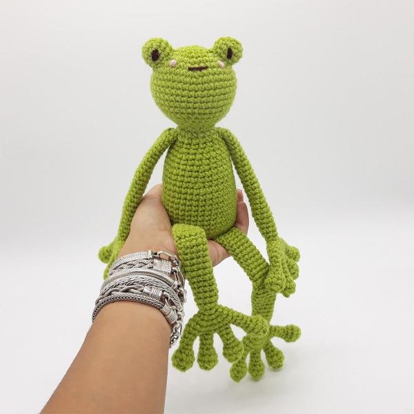 GRENOUILLE VERTE GREEN FROG Amigurumi Crochet Kit - ANURA - Hyla ... | 600x600