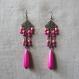 N°27 - boucles d'oreilles longues rose fuchsia avec perles magiques et perles de verre
