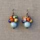 N°41 - boucles d'oreilles grappe de perles magiques multicolore