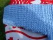Veste irlandaise bleue tricotée main pour bébé taille 6 mois