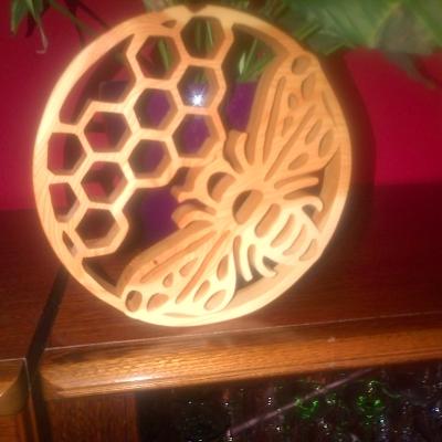 Dessous de plat ou décoration ruche en mélèze massif