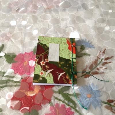 Carnet japonais à couverture souple 5,5/7,5 cm, avec couverture en papier washi.