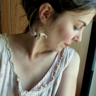 Boucles d'oreilles créoles fleuries* couronnes de fleurs